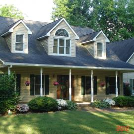 Country Home And Established North Carolina Kennel For Sale